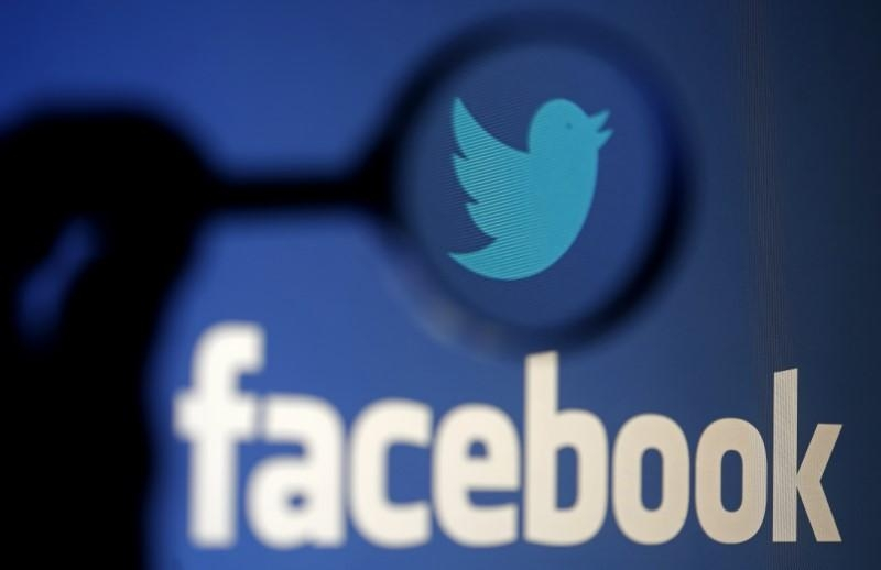 More than half online users get news from Facebook, YouTube and Twitter: study