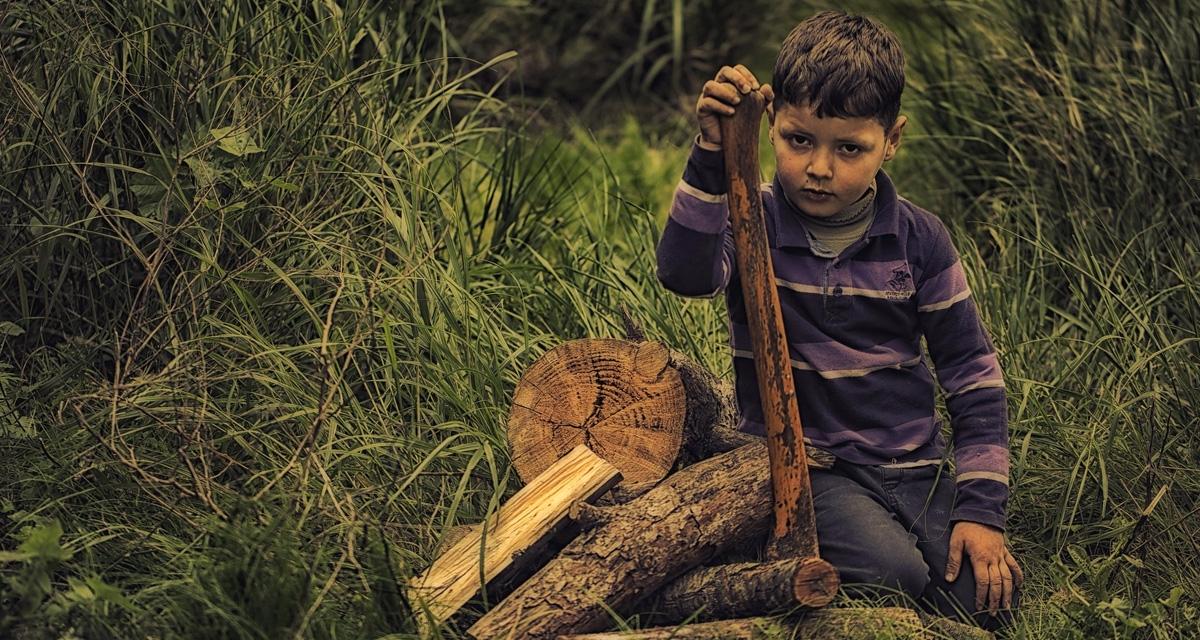 De cómo 'biencriar' a tu hijo en el siglo XXI (método prehistórico)