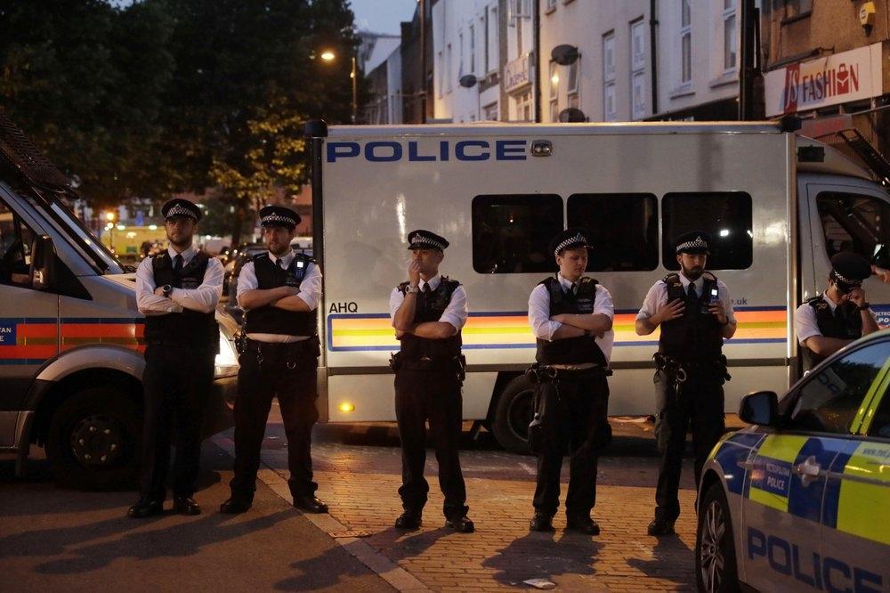 Policía pide calma tras ataque contra musulmanes en Londres
