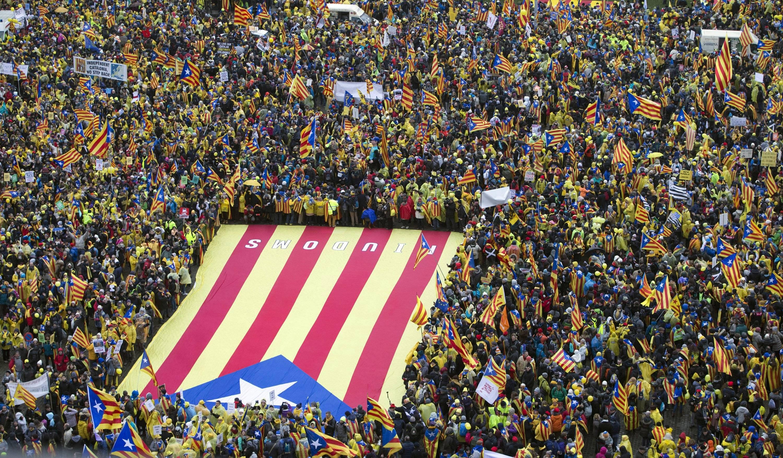 Catalanes se manifiestan en la sede de la Unión Europea