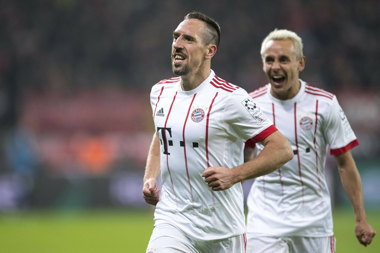James anota y Bayern gana al reanudarse la Bundesliga