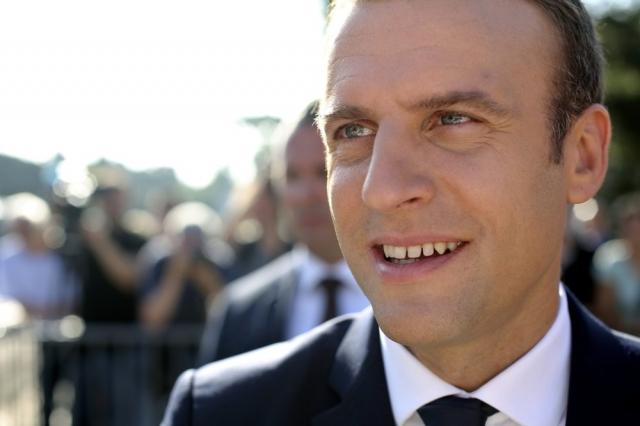 Macron reformará su gobierno tras triunfo en parlamentarias