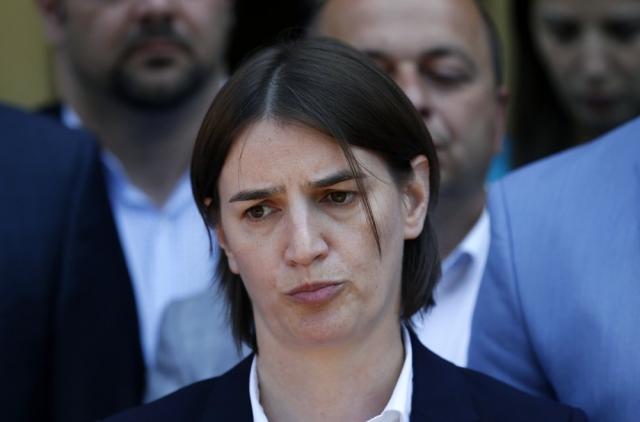 Confirmación de primera ministra homosexual serbia, en duda