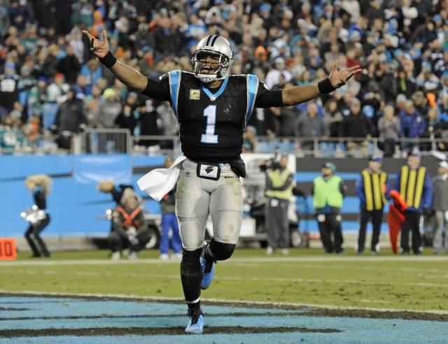 Panthers aplastan a Dolphins e hilan 3er triunfo