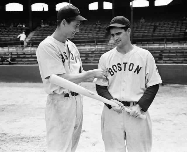 Fallece Bobby Doerr, miembro del Salón de la Fama de MLB