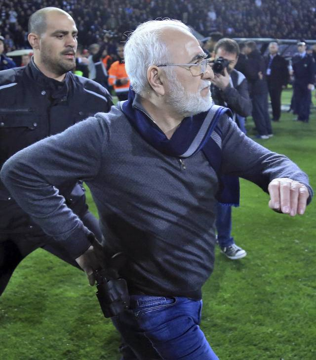 La fiscalía griega investigará al dueño armado del PAOK
