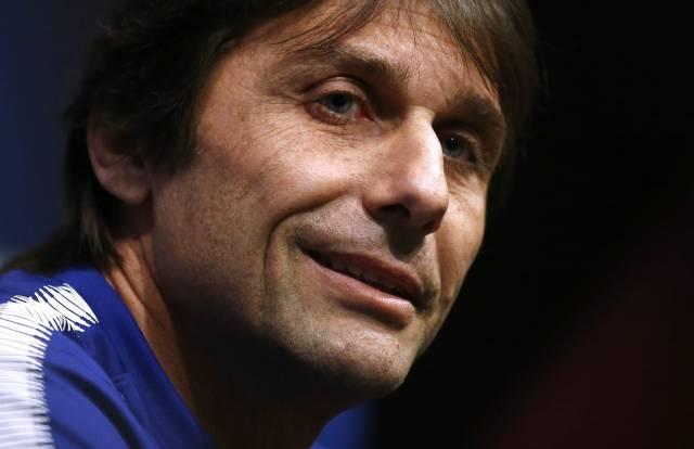 Conte dice que espera que Chelsea sufra ante Barcelona
