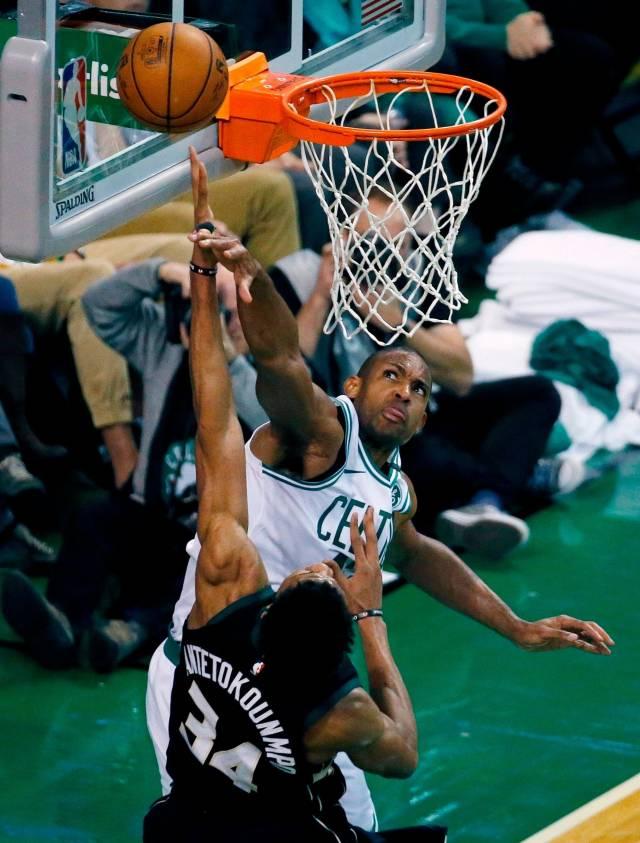 Celtics resiste para vencer 113-107 a Bucks en tiempo extra