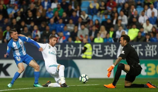 Atlético vence 3-0 al Levante y protege el segundo lugar