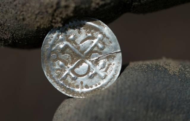 Descubren tesoro milenario en isla alemana en el Báltico