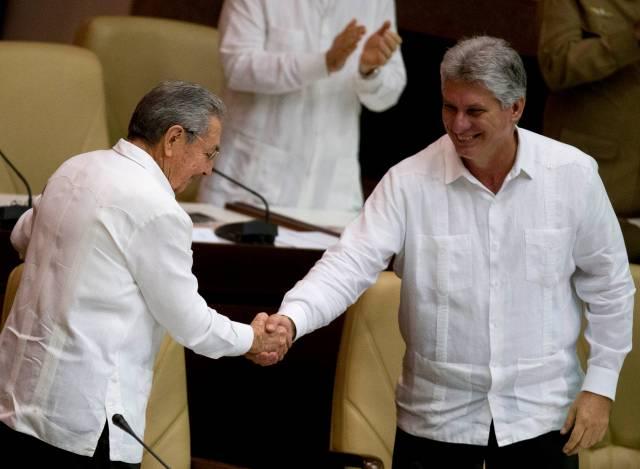Cuba adelanta un día la fecha de la transición política