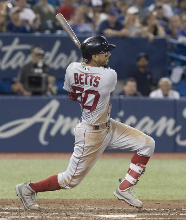 Betts batea el ciclo pero Medias Rojas caen en Toronto