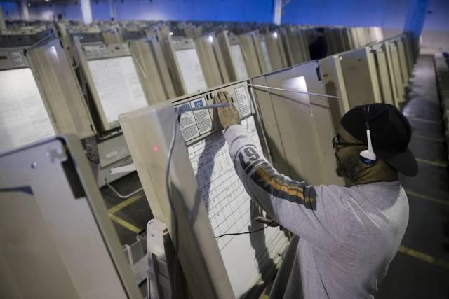 EE.UU.: Panel pide reforma a sistema de seguridad electoral