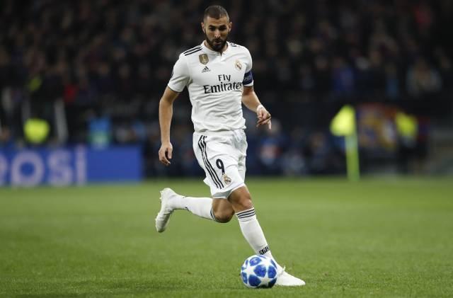 Federación francesa cierra puerta de la selección a Benzema