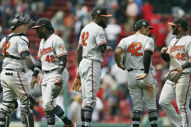 Contratación de minorías en MLB, similar a la del año pasado