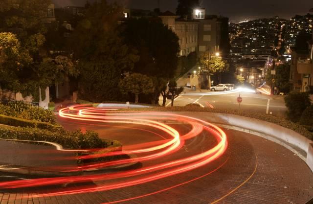 San Francisco pondera cobrar por visitas a calle sinuosa