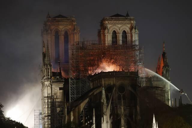 LO ÚLTIMO: Descartan incendio provocado en Notre Dame