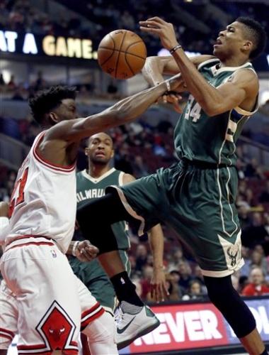 Antetokounmpo y los Bucks aplastan a los Bulls
