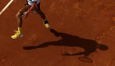 Djokovic sigue de capa caída y Nadal avanza en Barcelona