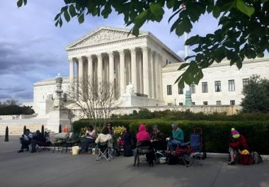 Corte Suprema de EEUU debate restricción migratoria de Trump