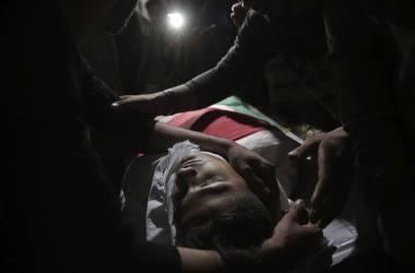 Israel mata a 58 palestinos en la frontera de Gaza